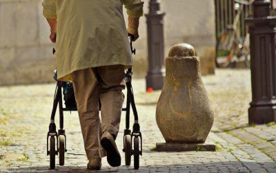 Eliminación de sujeciones y barreras en el entorno geriátrico